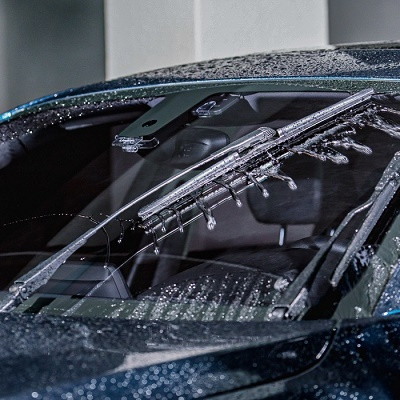 This Carbon Nanotube and Graphene Wiper Blade Keeps Your Windshield Clear from Drops, Dust, and Scratches