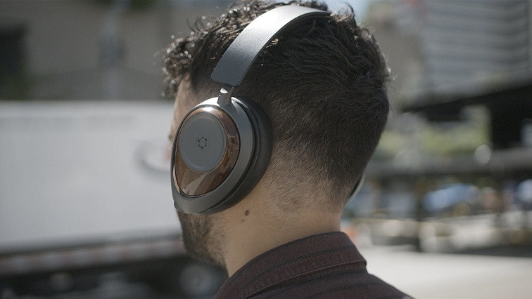 For the Love of Music! Graphene Headphones with Superior Sound Quality