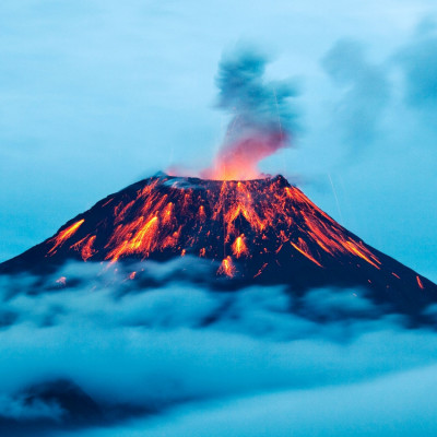 Nanocrystals Make Volcanoes Explode: Bayreuth Geoscientist Discovers Causes of Sudden Eruptions