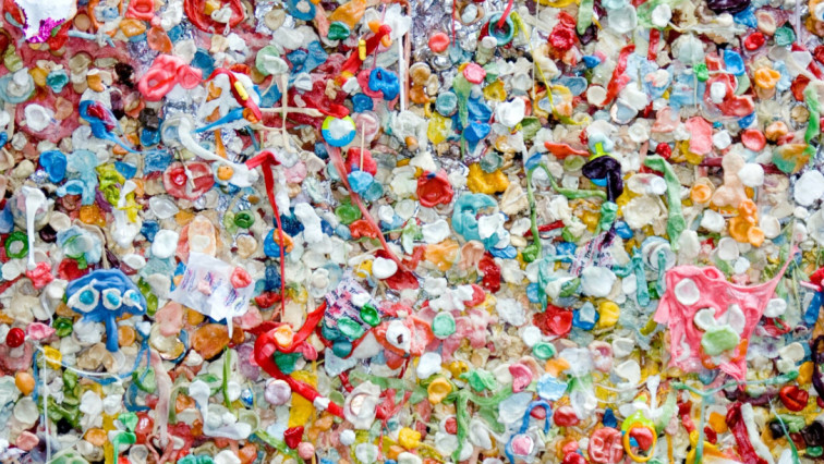 Turning Plastic Waste into Hydrogen Gas and Carbon Nanotubes