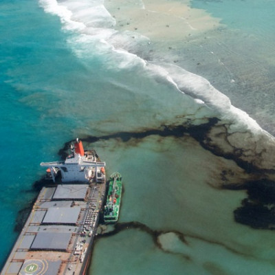 Log 9 Supplies 'Sorbene' Oil Sorbent Pads to Aid Oil Spill Clean-up in Mauritius