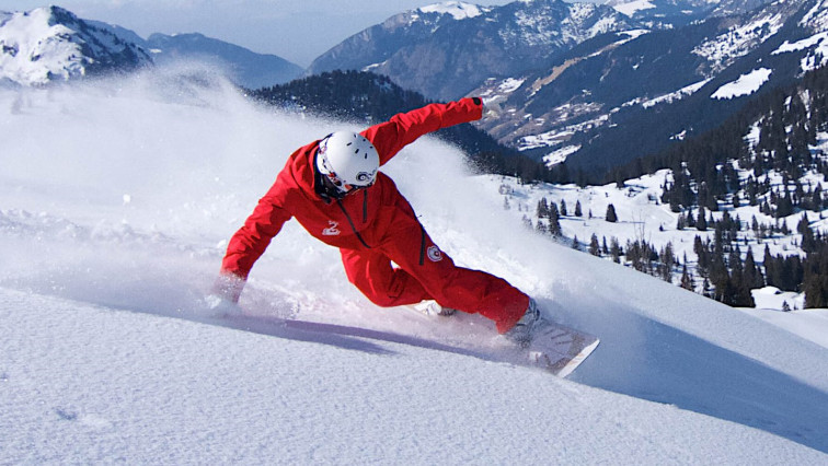 Dynamic Wax Upends Toxic Ski Wax Industry with Base-penetrating Nanotechnology